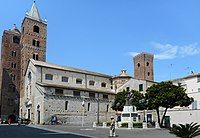 Albenga - Kathedrale San Michele Arcangelo - Domplatz 1, August 2019.jpg