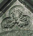 Amiens cimetière de la Madeleine (chapelle funéraire néo-gothique) fronton 2b.jpg