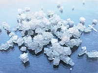 Ammoniumchlorid Kristalle.jpg