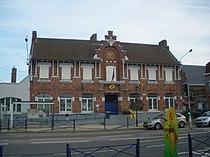 Ancienne mairie de La Chapelle-d'Armentières.JPG