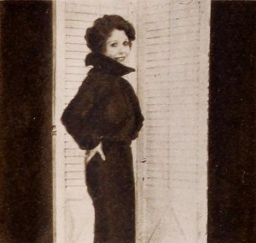 Annette Hanshaw modelling 07