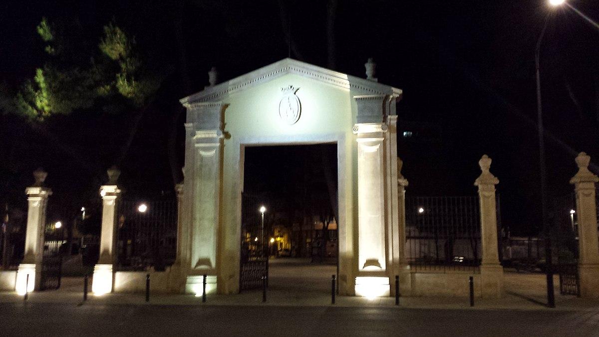 Antigua Puerta De Hierros De Albacete Wikipedia La Enciclopedia Libre