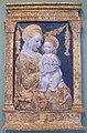 Antonio rossellino (bottega), madonna col bambino davanti a una ghirlanda, firenze, 1450-1500 ca..JPG
