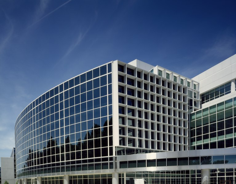 File:Archives II, a newer research and storage facility of the National Archives, in the Maryland suburbs of Washington, D.C LCCN2011633193.tif