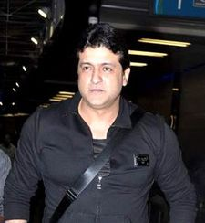 Armaan Kohli snapped at the International Airport.jpg