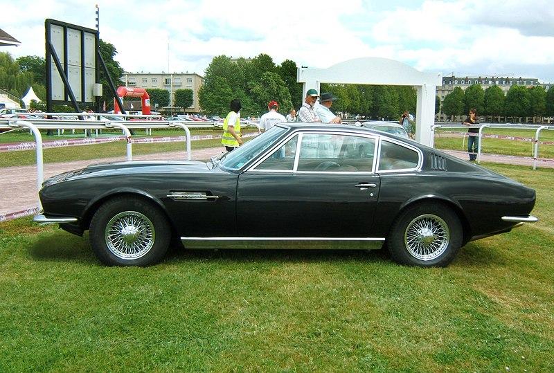 800px-AstonMartinDB-S-1969-flanc.jpg