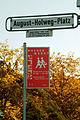 August-Holweg-Platz Hannover Ricklingen Straßenschild Wochenmarkt.jpg