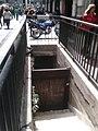 Baño público clausurado (Buenos Aires).jpg