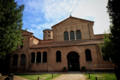 Basilica di Sant'Apollinare in Classe, Ravenna (esterno, facciata).png