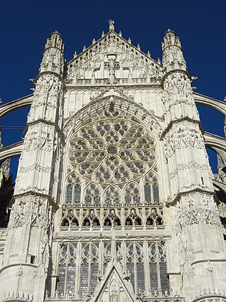 Beauvais Cathedral, south transept (consecrated 1272) Beauvais (60), cathedrale Saint-Pierre, croisillon sud, parties hautes 2.jpg