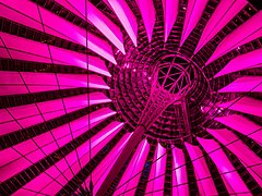 Berlin Potsdamer Platz Sony Center Dach 1210082-PSD.jpg
