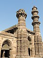 Bibiji's masjid Jhulta minar Gomtipur Ahmedabad 02.jpg
