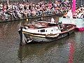 Boat 32 NPO FunX, Canal Parade Amsterdam 2017 foto 4, sleepboot Jacobus ENI 02323035.JPG