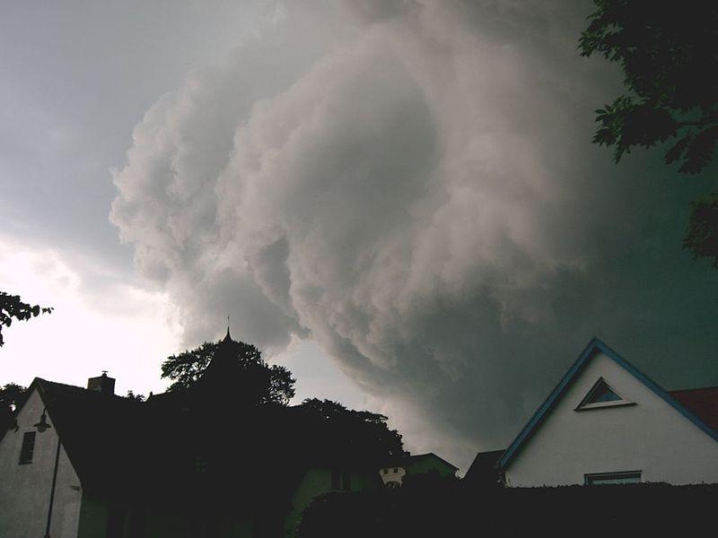 File:Bobbin rolling thunder.JPG