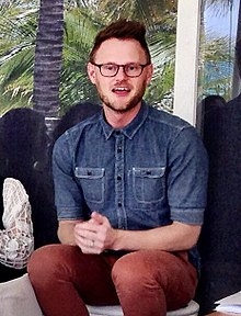 Bobby Berk - Design to Sell Session (13591352524) (cropped).jpg