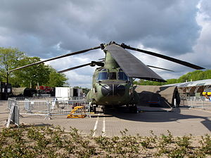 Boeing CH-47D Chinook Royal Dutch Army photo-1.JPG