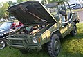 Bombardier Military Vehicle (Auto classique Combos Express '13).JPG