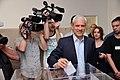 Boris Tadić tokom glasanja 2012.jpg