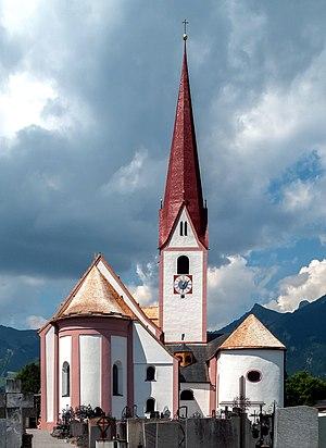 Breitenwang - Image: Breitenwang, Dekanatskirche heilige Petrus und Paulus Dm 76924 foto 4 2014 017 25 12.00