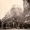 Brennendes Gebäude in französischer Stadt 1940.jpg