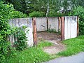 Bruslařská, stanoviště popelnic.jpg