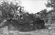 """Bundesarchiv Bild 101I-722-0406-06A, Frankreich, Panzer V """"Panther"""" im Gelände"""