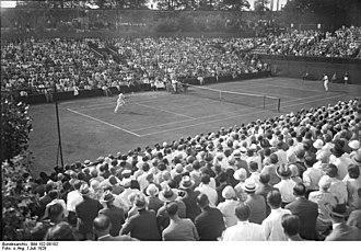 Francis Hunter - German Daniel Prenn (left) and Hunter (right), in a Davis Cup match in Berlin in 1929.