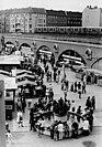 """Bundesarchiv Bild 183-T0914-0018, Berlin, """"Kleiner Markt"""", Marktstände, Springbrunnen.jpg"""