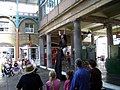 Busker in Covent Garden - panoramio.jpg