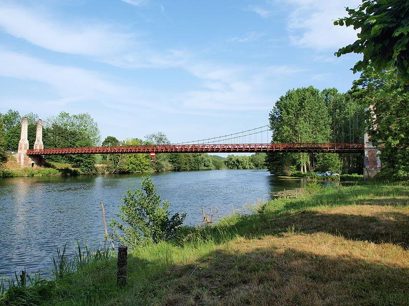 Pont suspendu de Cézy (Yonne, France)