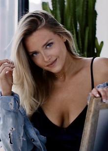 Camille Kostek - Wikipedia