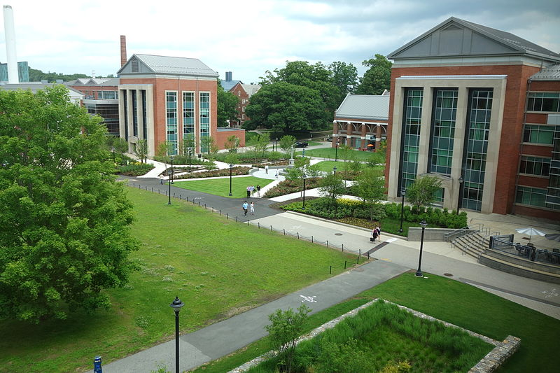 Ficheiro:Campus view - University of Connecticut - DSC09948.JPG