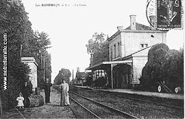 A postcard view of the railway station in Les Rosiers