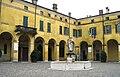 Castiglione delle Stiviere piazza Dallò.jpg