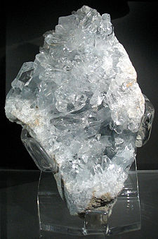 Celestite crystal crust.jpg