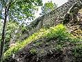 Château d'Andlau. Muraille et tour d'angle nord-est.jpg