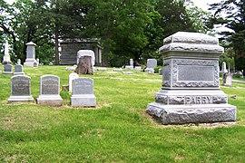 Oakdale Memorial Gardens - Wikipedia