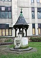 Christ Church, Blackfriars Road - Water fountain (geograph 2264039).jpg