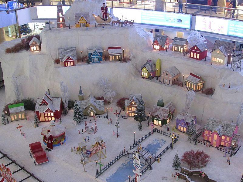 File:Christmas-celebrations-new-year-decoration-at-express-avenue-mall-chennai-2.jpg