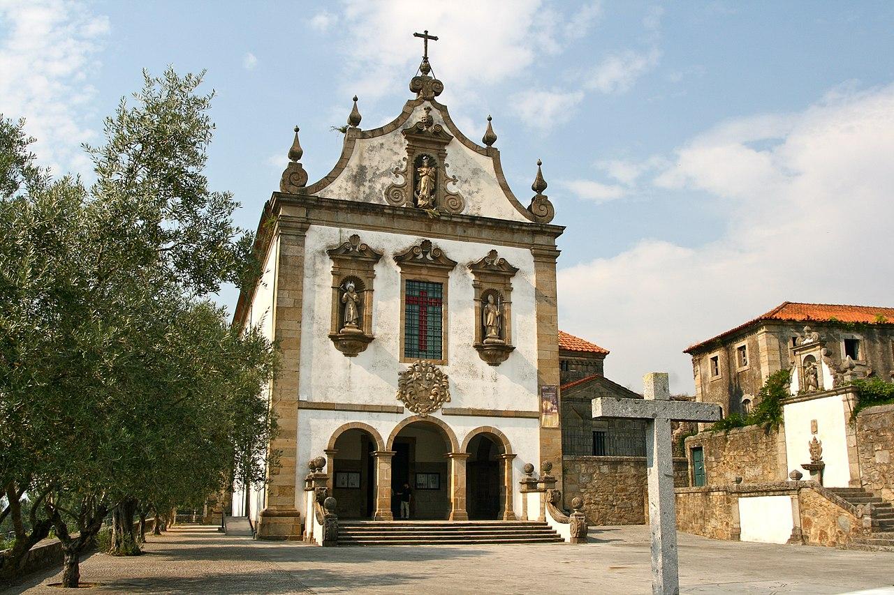 Church of São Francisco and Capela de São Frutuoso de Montélios, Braga (10248447556).jpg