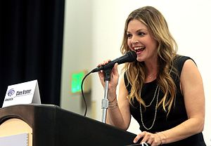Clare Kramer - Kramer speaking at WonderCon 2017.