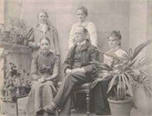 Alexander Ross Clarke - Clarke with daughters