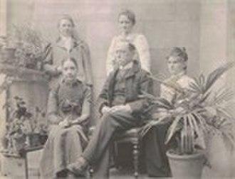 Alexander Ross Clarke - Clarke with daughters