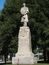 Colchester Village HD - Civil War monument.jpg