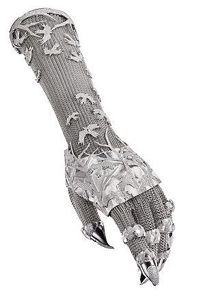 Shaun Leane (jeweller) - Contra Mundum, 2011
