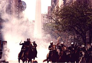 December 2001 riots in Argentina - Police intervention in the conflict