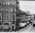 Düsseldorf, Alleestraße Ecke Elberfeldstraße. Links Eckhaus Witwe Schmitz-Lenders Alleestr. 24, (Otto van Els & Bruno Schmitz, 1882-1883). Blick in die Elberfelderstraße.jpg