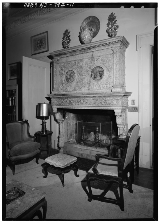 File detail of fireplace in living room princeton for Living room guernsey