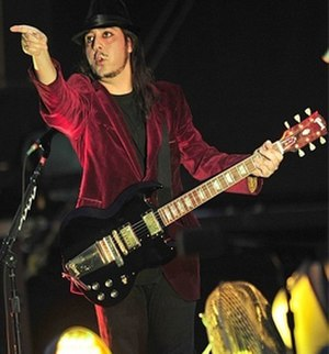 Daron Malakian - Malakian performing with System of a Down in 2011