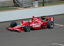 Dan WheldonPracticing2007Indy500.jpg